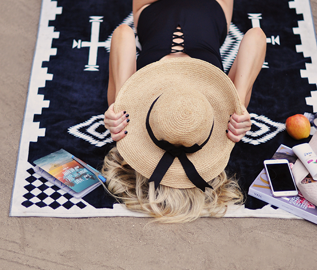 Beach day_ Pendelton Towel _lace up one piece_summer