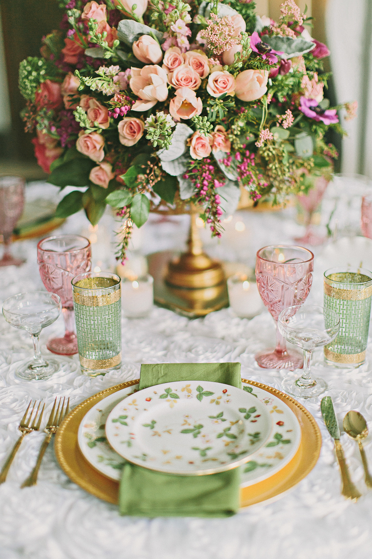 pretty table settings, spring table ideas, easter table setting ideas, how to set your table, pretty tablescapes, pastel tabletops