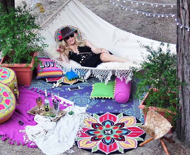 Boho Backyard escape-hammock