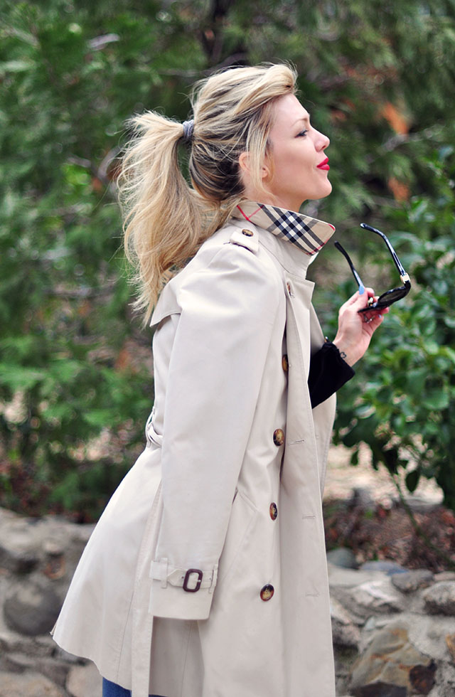 Burberry Trench coat_red lips_ messy ponytail
