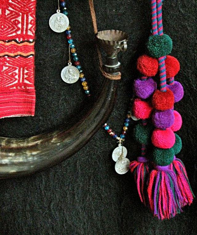 CM-tassels, horn, coins