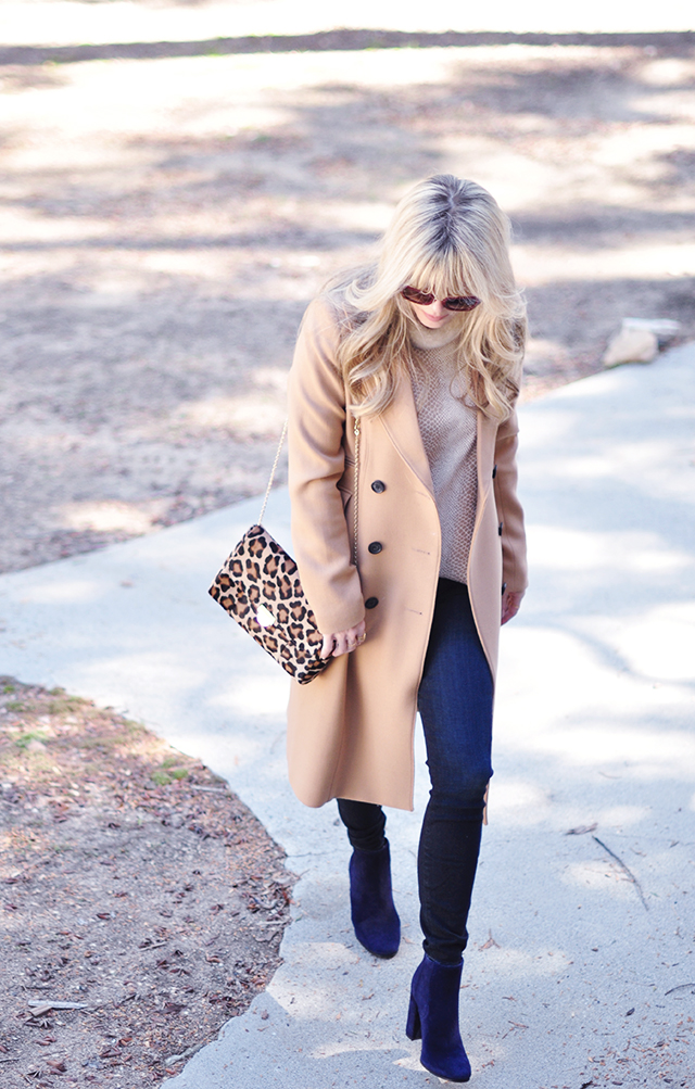 Camel coat_leopard bag
