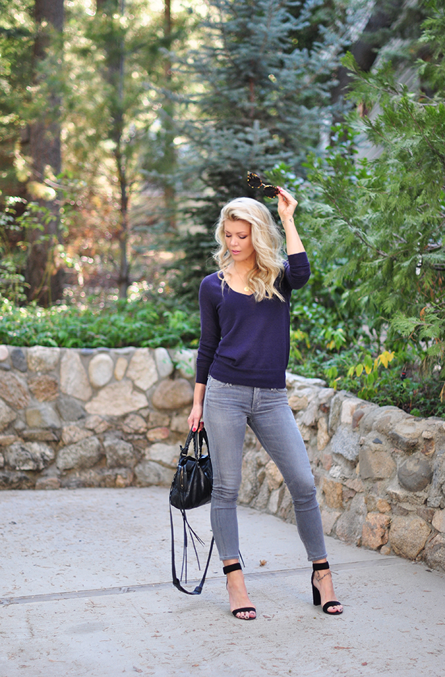 casual-style-grey-jeans-plum-sweater
