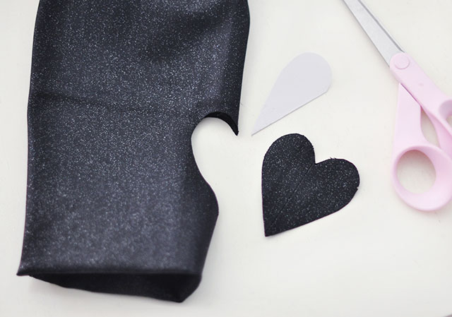 DIY Cut Out heart jeans-4
