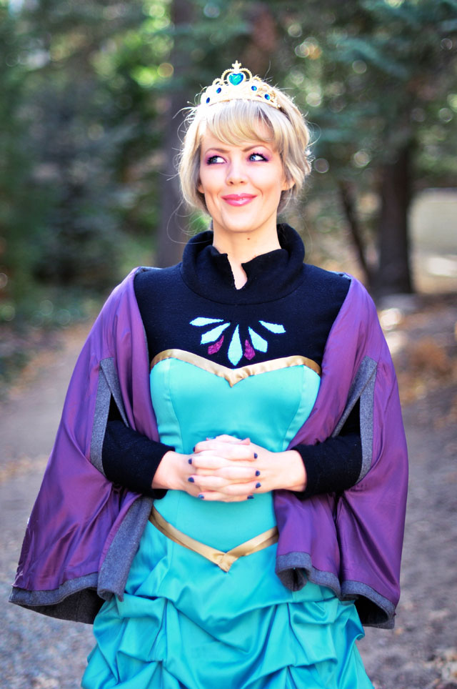 DIY Elsa Costume+Hair and Makeup-Frozen halloween-cosplay