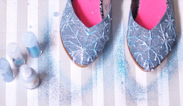 DIY Elsa glitter snowflake shoes