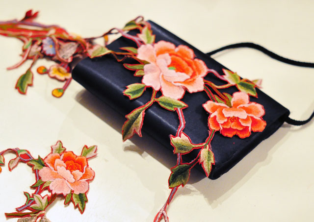 DIY Embroidered Clutch-5