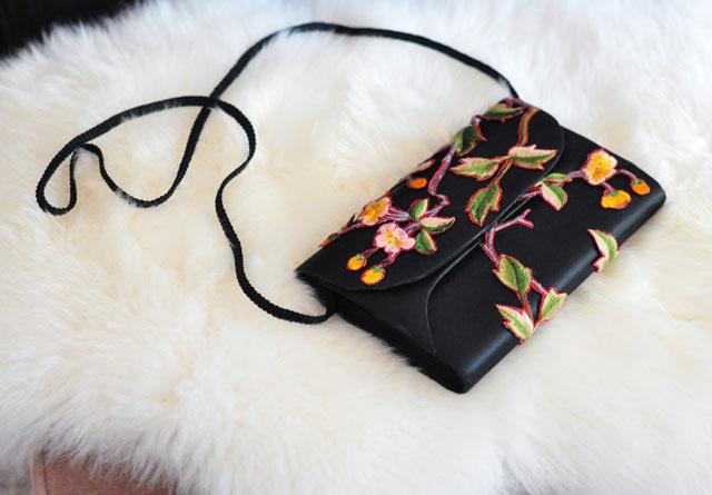 DIY Embroidered Clutch-satin bag