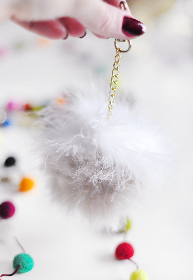 DIY Faux Fur and Feathers Bag Charms_13