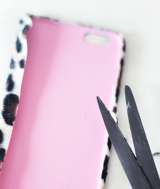 DIY Faux Fur leopard phone case-5