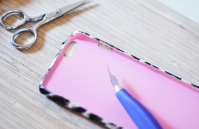 DIY Faux Fur leopard phone case-6