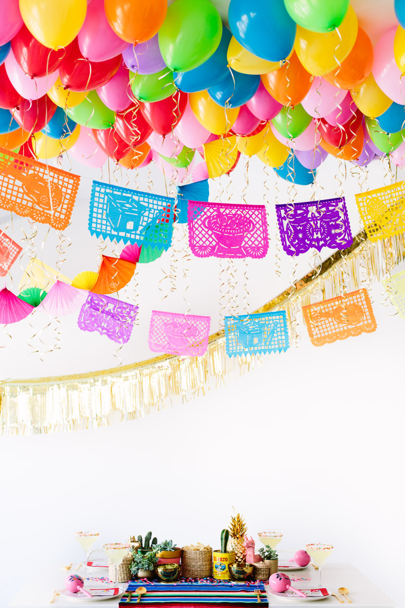 DIY Fiesta Balloon Ceiling8
