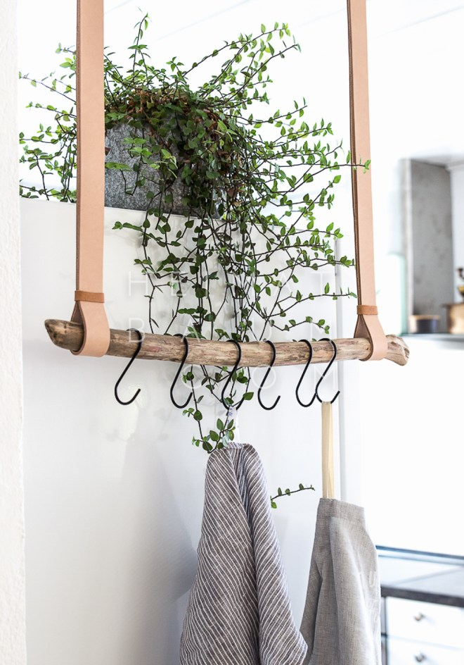 Hanging Hooks with Leather Straps