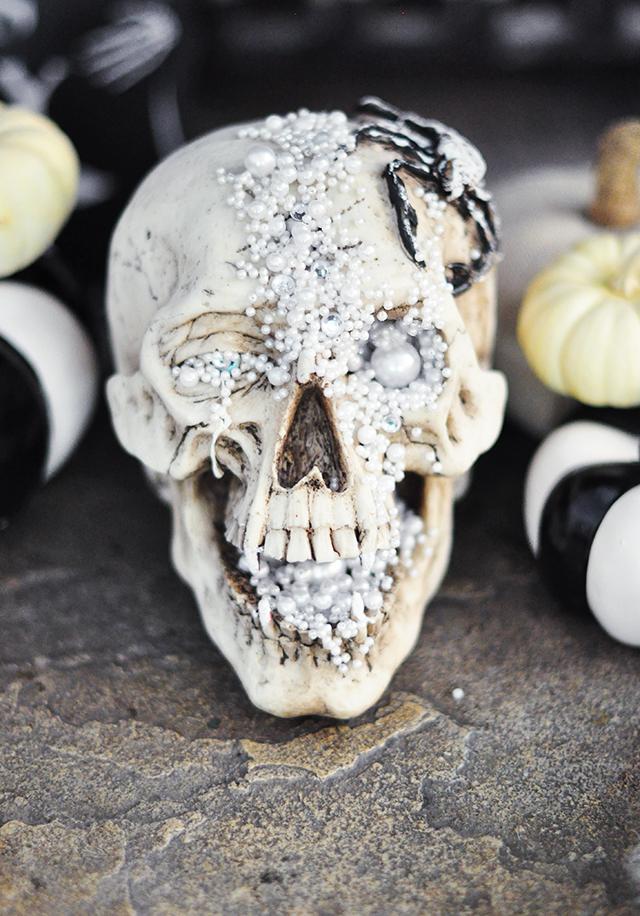 diy-glam-pirate-treasure-halloween-skull
