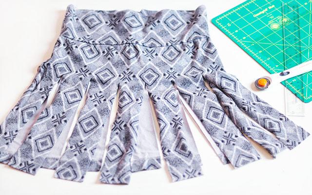 DIY Jersey Cheerleader Skirt-6, DIY pleated car wash cheerleader skirt, cosplay, anime skirt, diy easy no-sew pleated skirt, refashion, upcycle, mini skirt diy, no sew diys, spinning skirt, short skirts