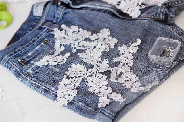 DIY Lace embroidered jean shorts-3