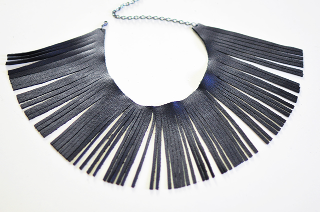 diy-leather-fringe-necklace_12
