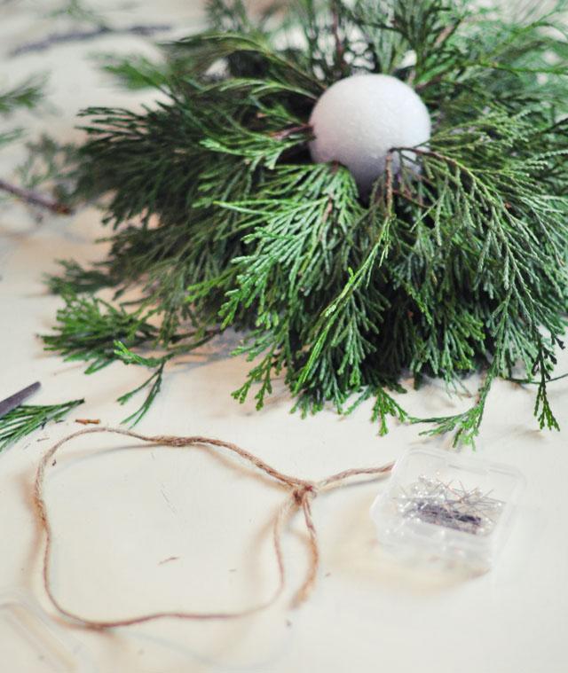 DIY Living Christmas ball decor-3