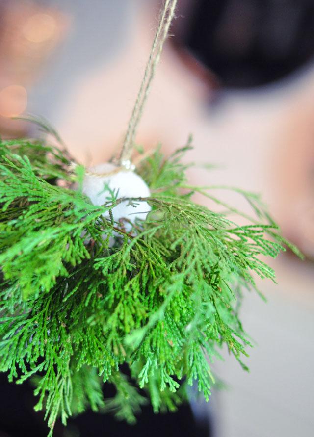 DIY Living Christmas ball decor-5
