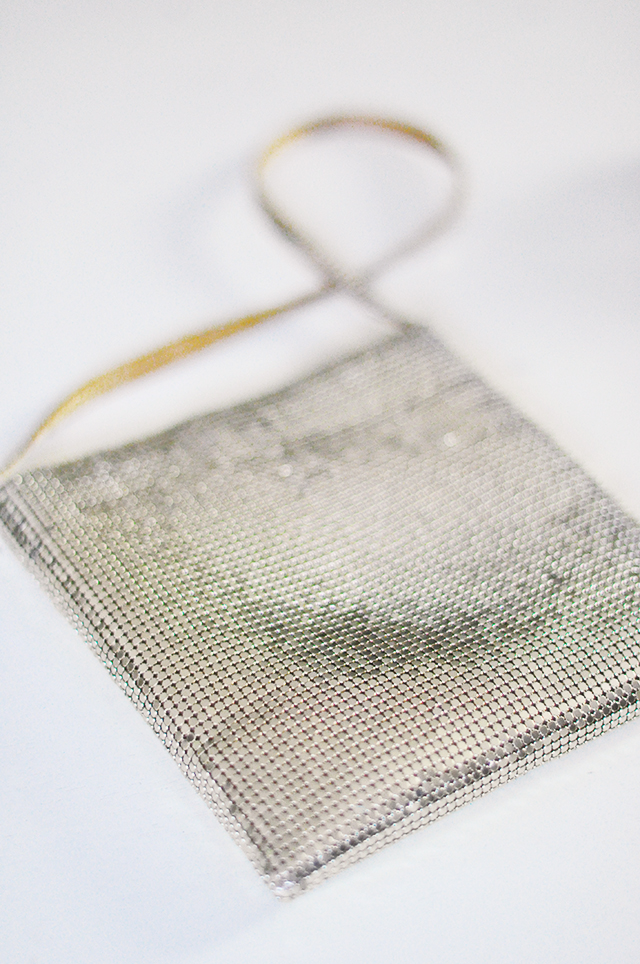diy-mesh-necklace-and-choker_vintage-mesh-bag