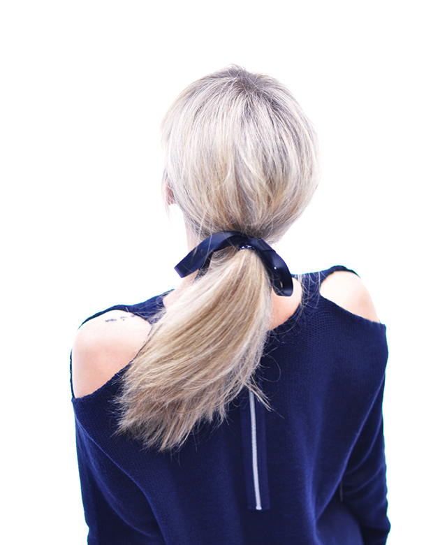 DIY Open shoulder cut out sweater _  low ponytail