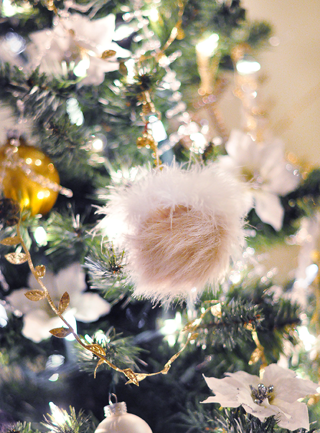 DIY Pom Christmas Tree Ornament
