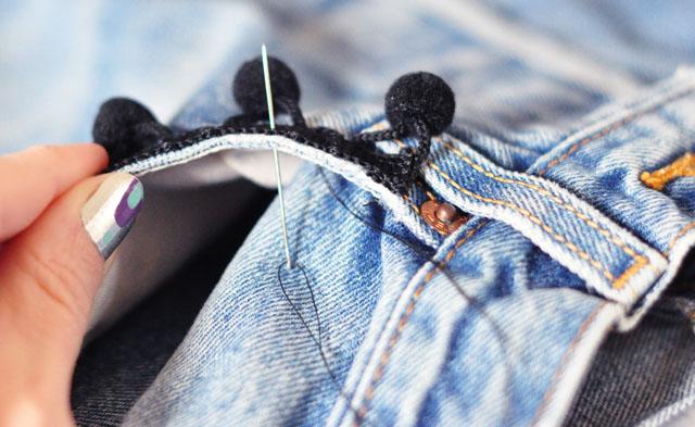 DIY Pom Pom Jeans - Embellished Vintage Levis-3