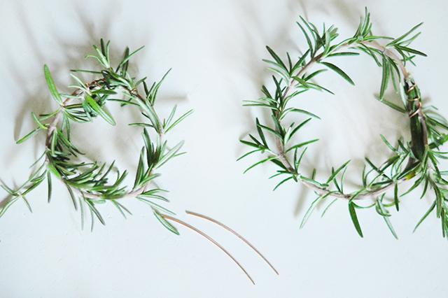diy-rosemary-wreaths-2