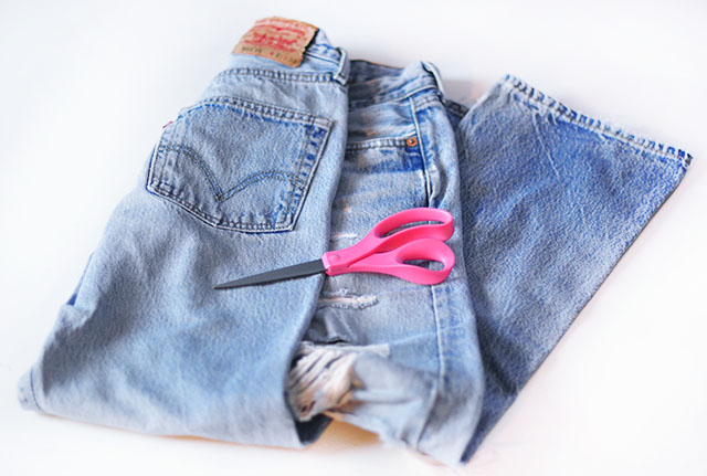 DIY cut out heart pocket jeans_vintage levis- 1