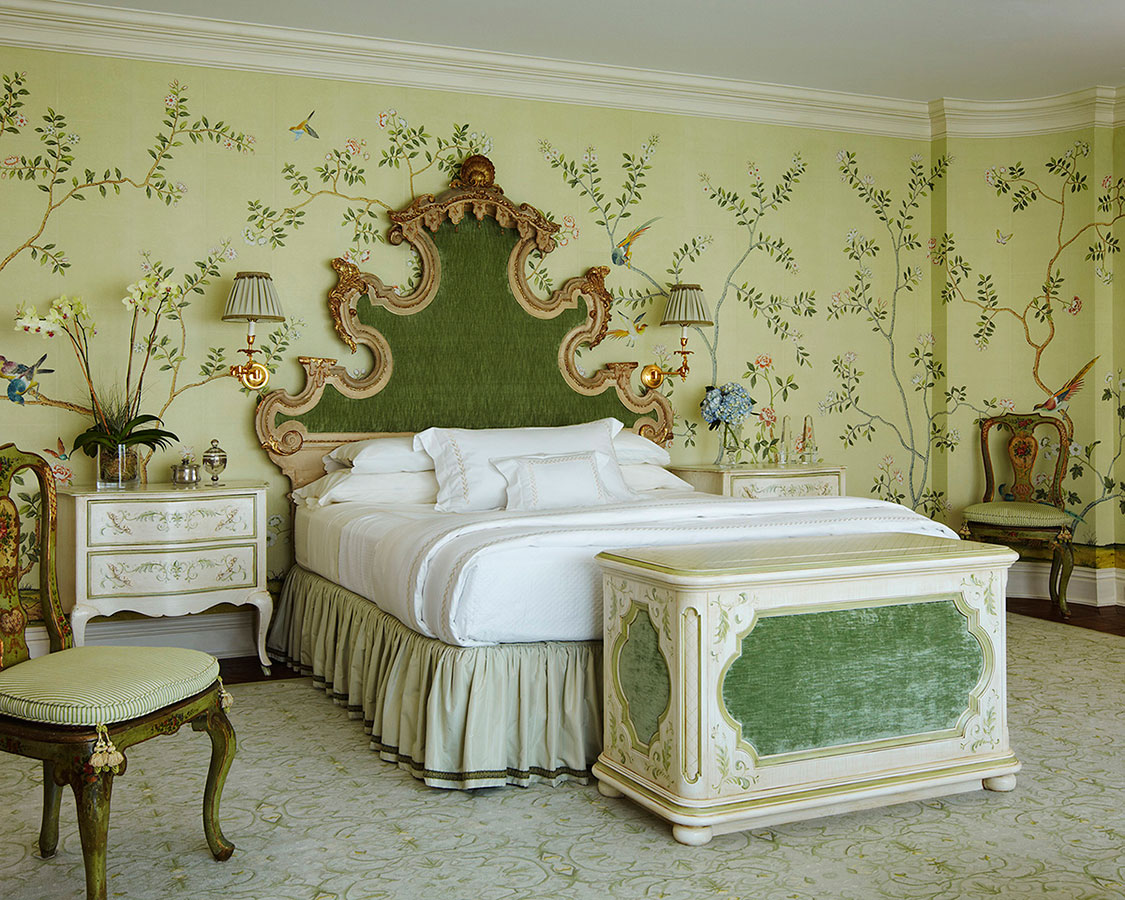 De Gournay wallpaper_regal green and gold bed