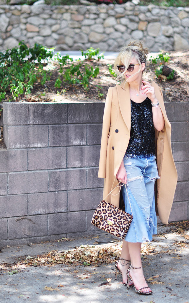 Distressed denim culottes_ camel coat_leopard strappy sandals