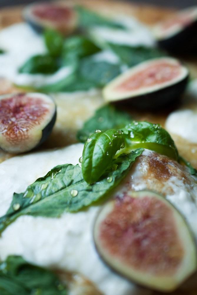 Fig-Buratta-Pizza-4
