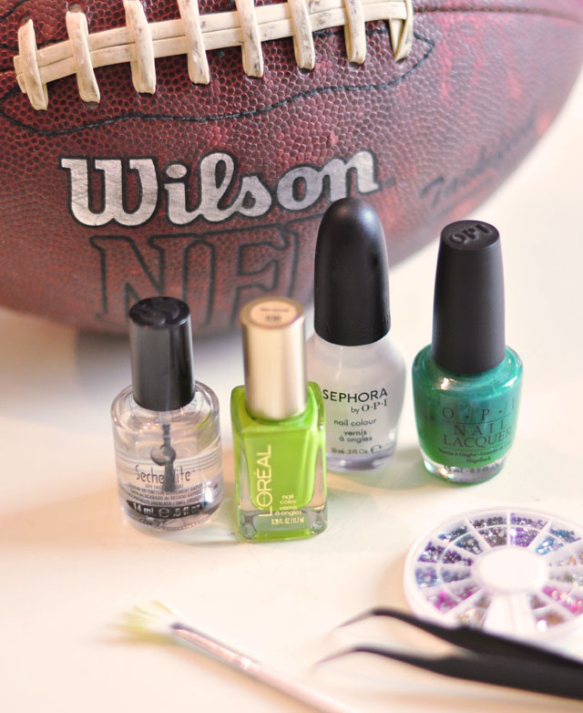 Football Season Nails Manicure-1