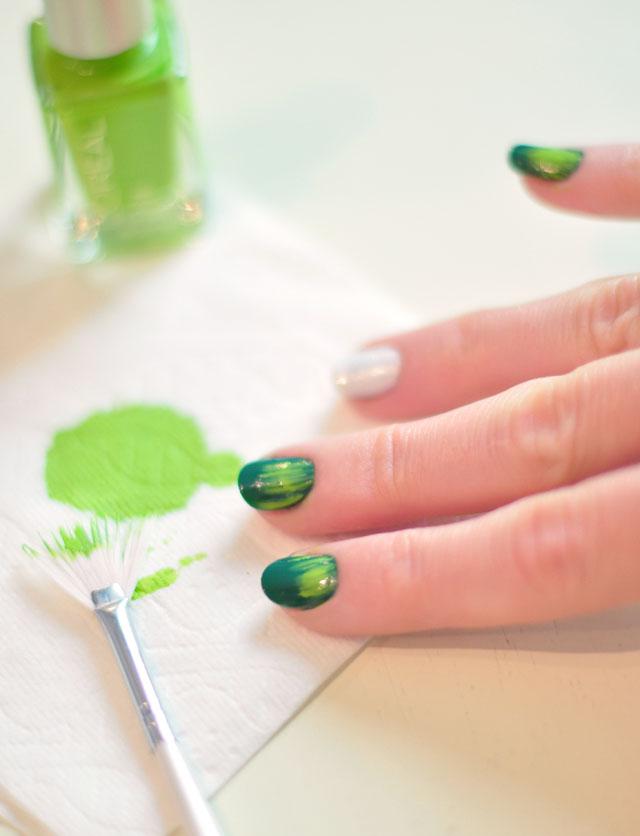 Football Season Nails Manicure-3
