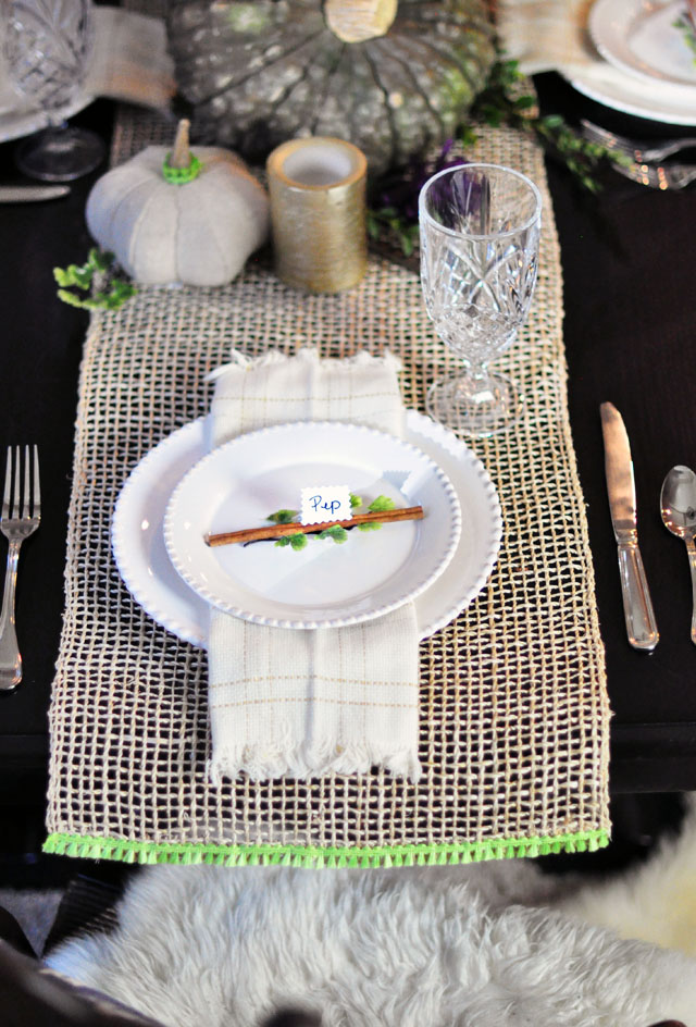 Friendsgiving table - tablescape