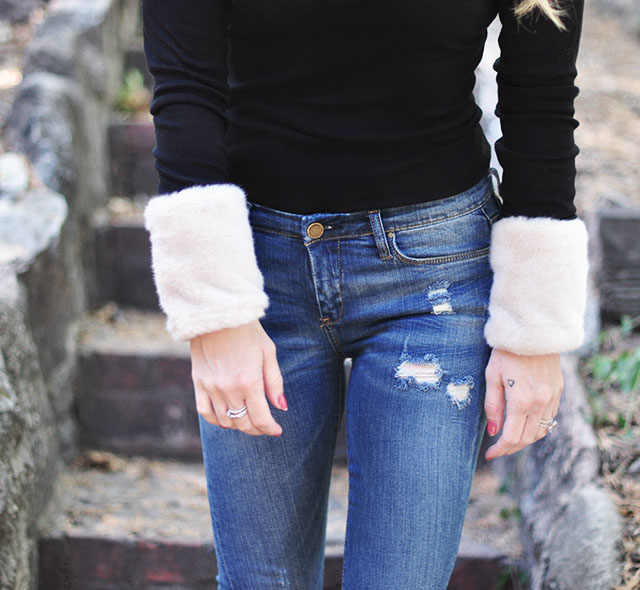 Fur cuffs_long sleeves and jeans