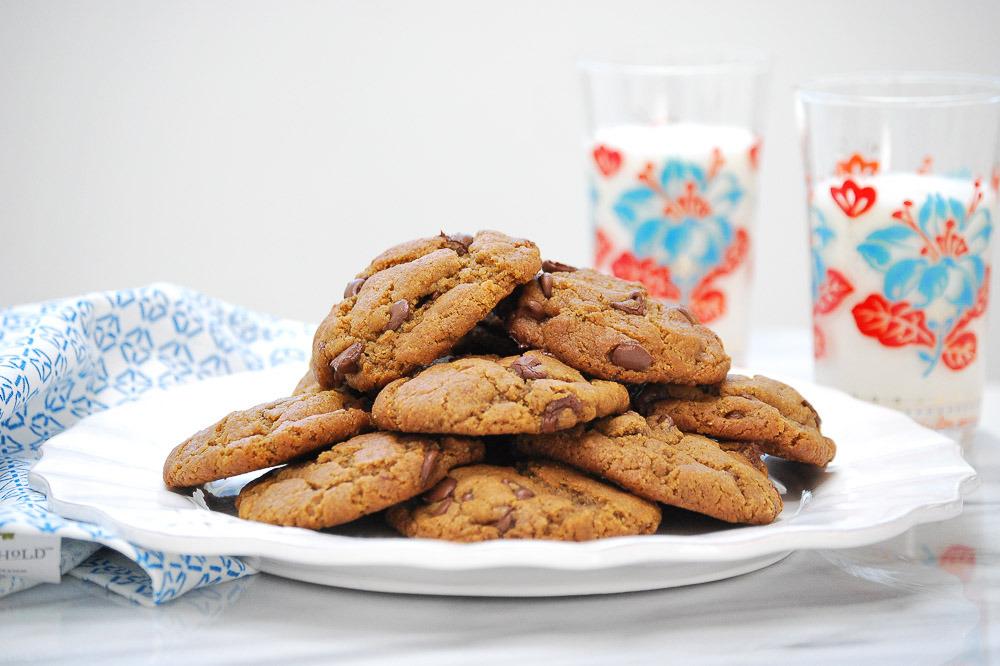 Gluten-Free-Peanut-Butter-Chocolate-Chip-Cookies