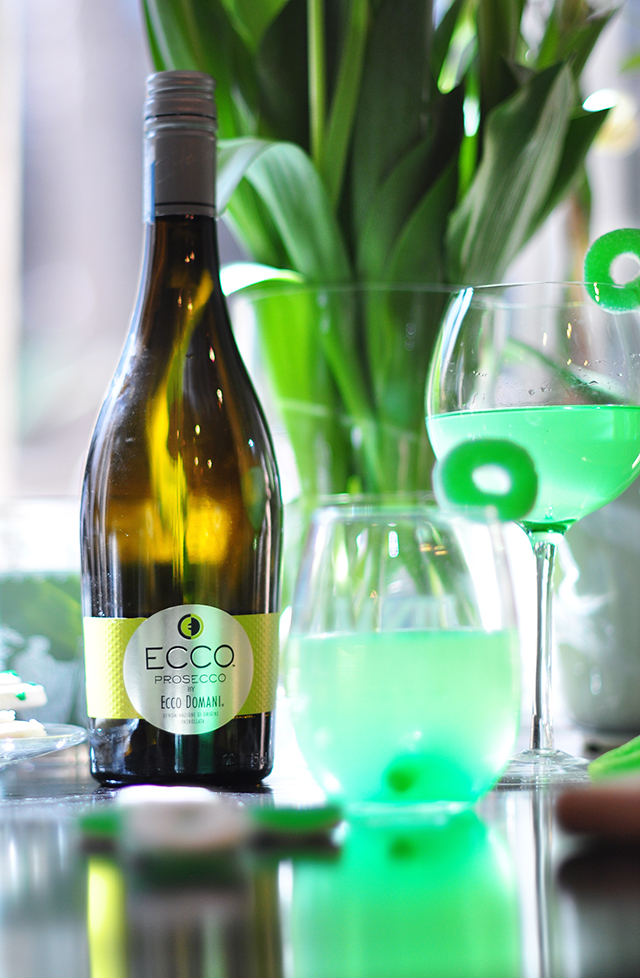 Green wine cocktail