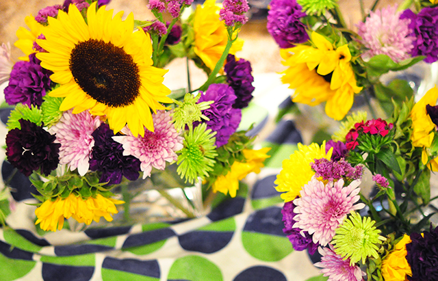 Grocery store flowers guide to centerpieces_5