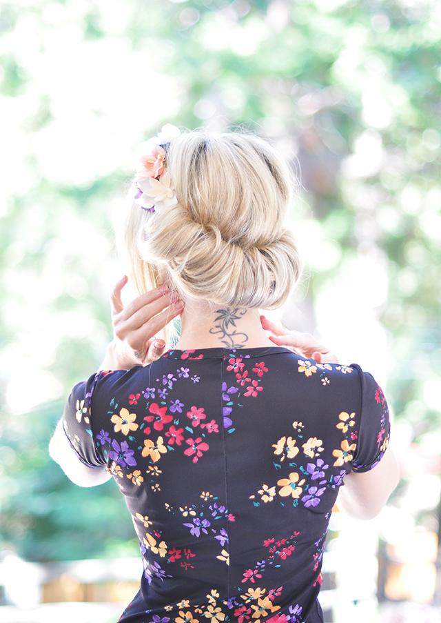 Hair Tutorial - Flower Crown Updo Roll 3-1