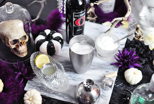 Halloween Tablescape_Merlot winetail