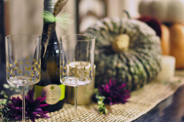 Happy Thanksgiving-table-wine-gold accent stemware