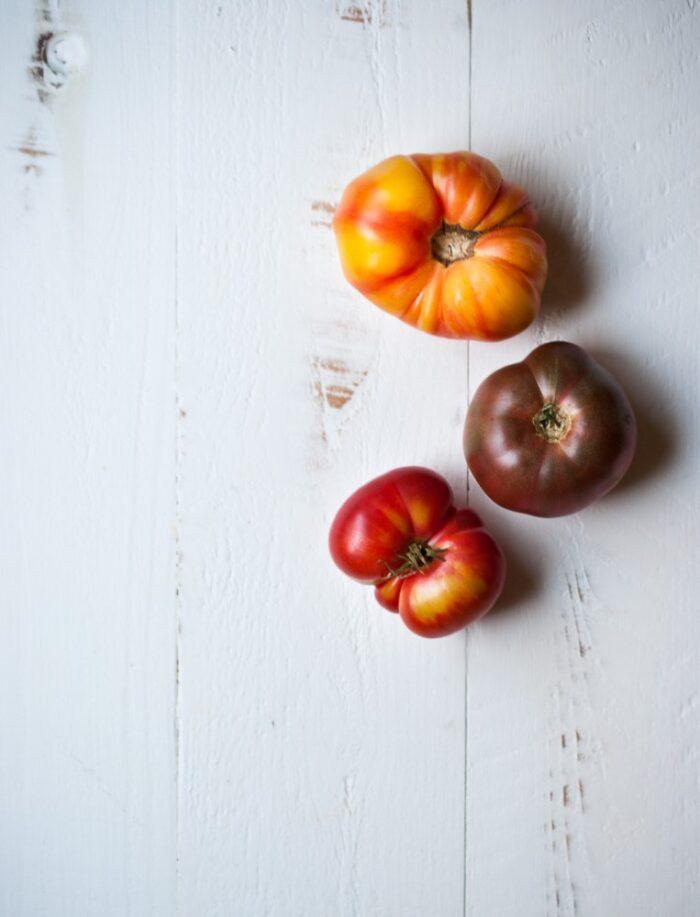 heirloom-tomato-ricotta-pizza