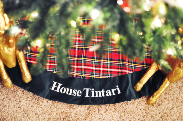 House Tintari tree skirt