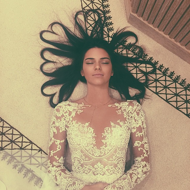Kendall Jenner_Heart hair halo
