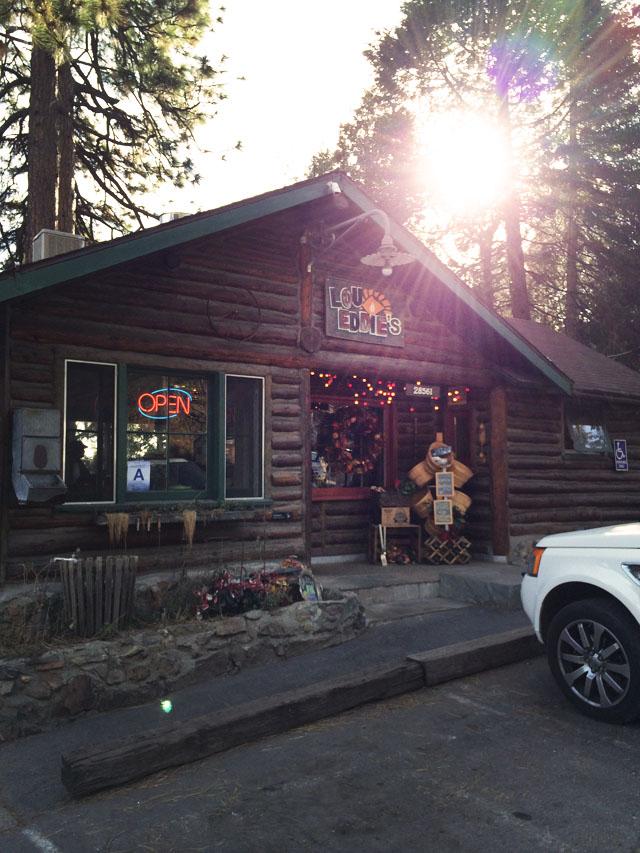 Lou Eddies Pizza Lake Arrowhead-1