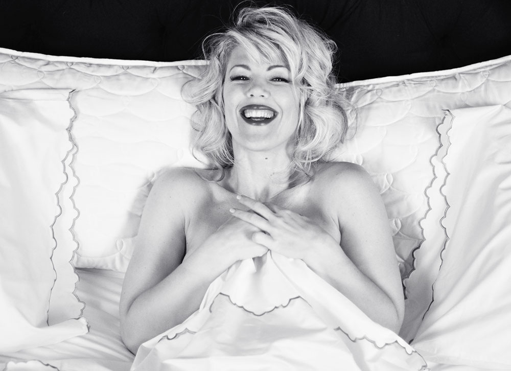 Marilyn in bed by Maegan Tintari_4