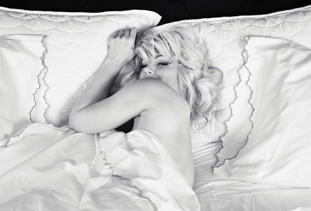 Marilyn photoshoot_Bed_MaeganTintari