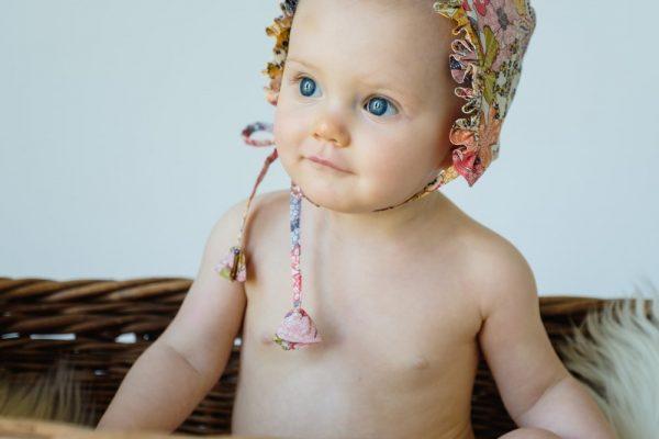 sweet baby bonnets