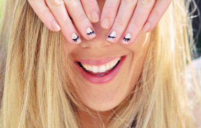 Nail Art Accent- closed shimmer eyes-eyelashes